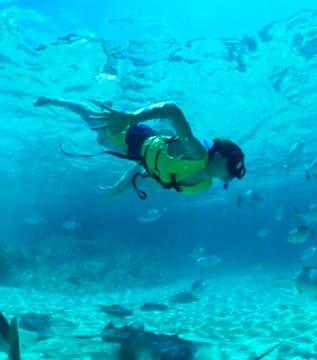 guy snorkeling
